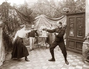 http://www.old-picture.com/american-history-1900-1930s/Fencing.htm